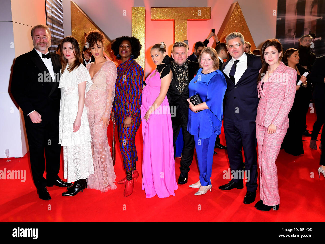 (left to right) Owen Teale, Malin Buska, Elarica Gallacher, Tanya Moodie, Teresa Palmer, Greg McHugh, Deborah Harkness and guest attending the National Television Awards 2019 held at the O2 Arena, London. PRESS ASSOCIATION PHOTO. Picture date: Tuesday January 22, 2019. See PA story SHOWBIZ NTAs. Photo credit should read: Ian West/PA Wire - Stock Image