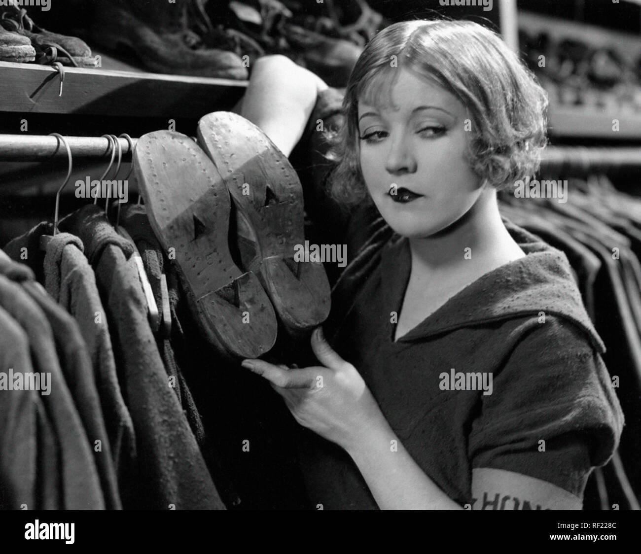 Prod DB © C.B. DeMille Productions / DR LES DAMNES DU COEUR THE GODLESS GIRL de Cecil B. DeMille 1929 USA Marie Prevost. film muet; silent film; chaussures; shoes - Stock Image