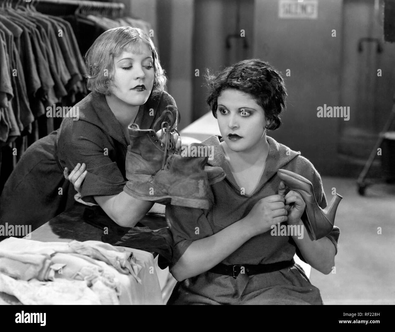 Prod DB © C.B. DeMille Productions / DR LES DAMNES DU COEUR THE GODLESS GIRL de Cecil B. DeMille 1929 USA Marie Prevost Lina Basquette. film muet; silent film; chaussures; shoes - Stock Image