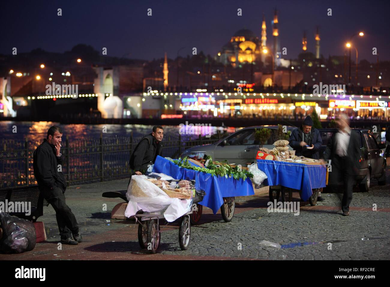 Galata Bridge over the Golden Horn, skyline of Eminoenue and Sultanahmet district, mosques, Istanbul, Turkey - Stock Image
