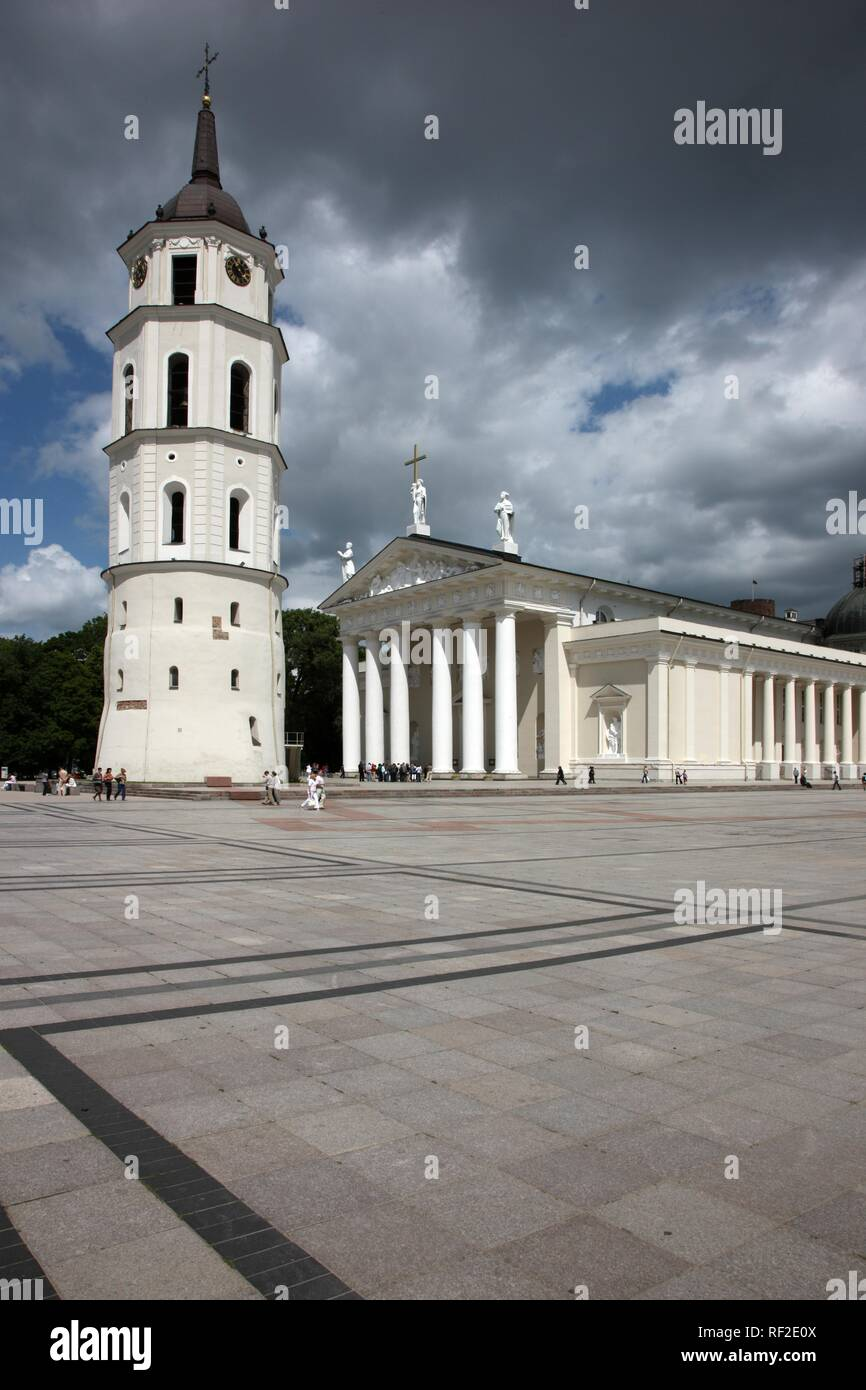 St. Stanislaus Cathedral with detached bell tower, Varpine, Cathedral Square, Vilnius, Lithuania, Baltic States - Stock Image