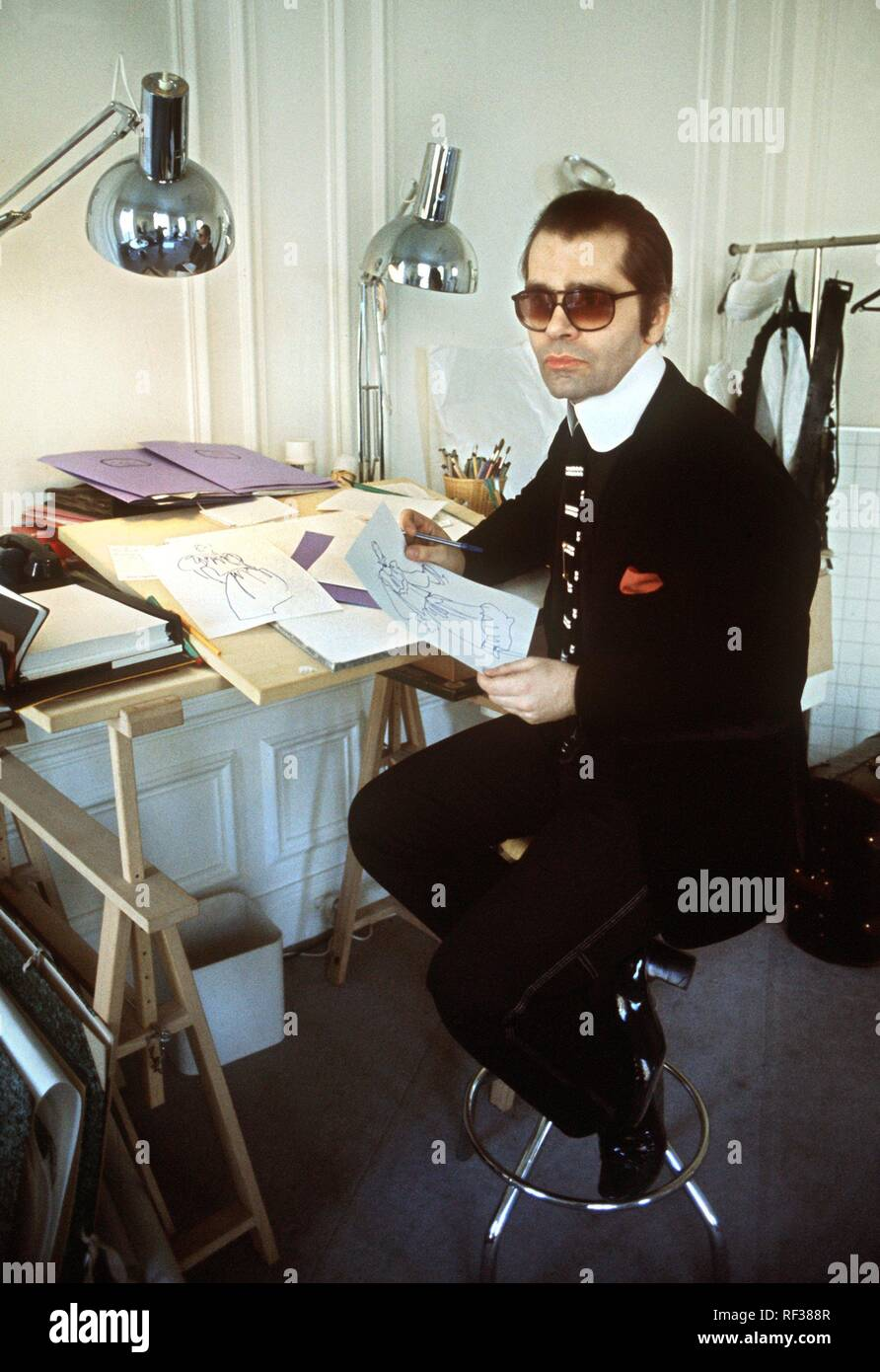German Fashion Designer Karl Lagerfeld Sits At His Desk In 1979 Also Known As King Karl He Is One Of The Most Successful Fashion Designers Of The 20th Century Usage Worldwide