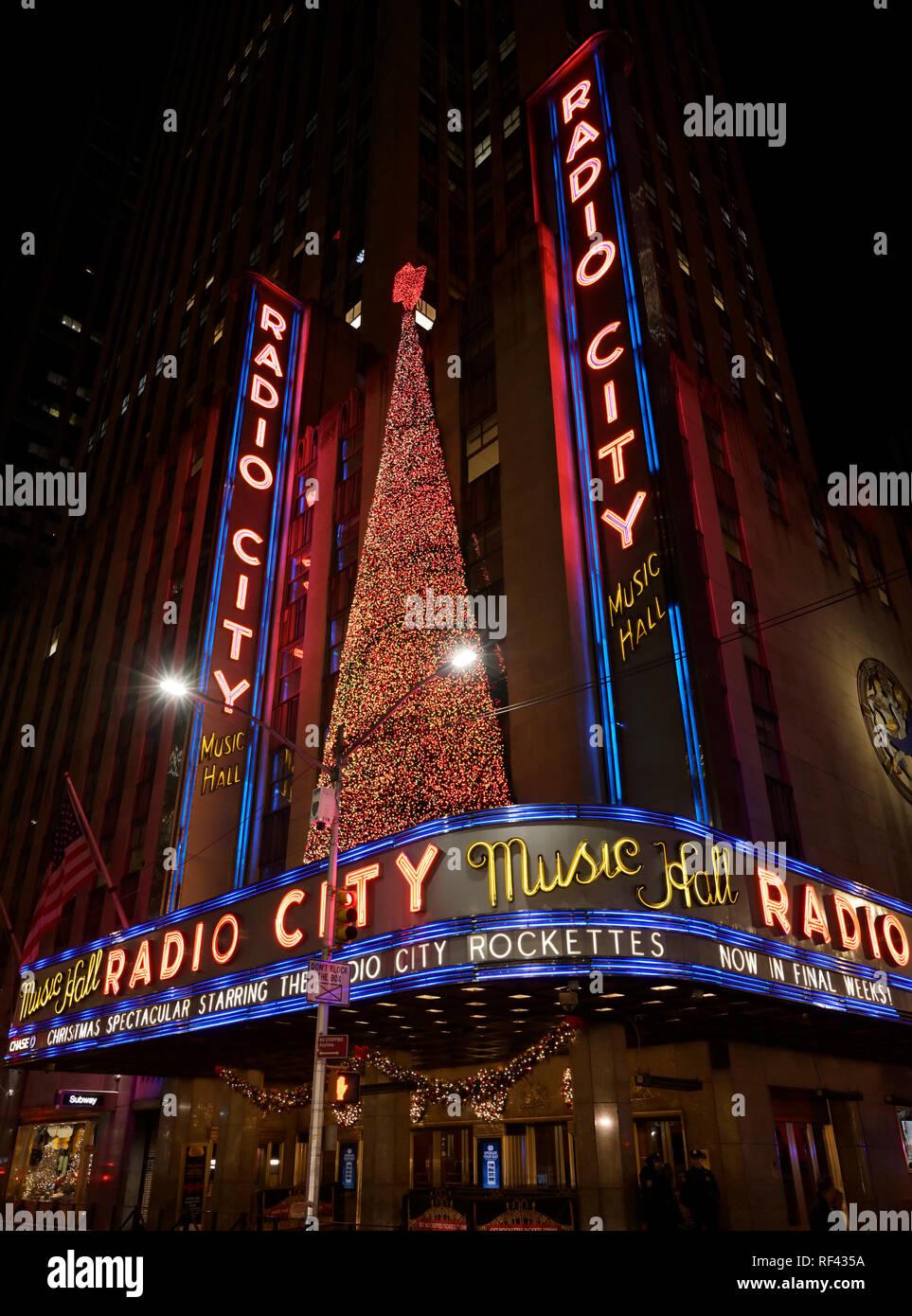 Radio City Music Hall, lights, Christmas - Stock Image