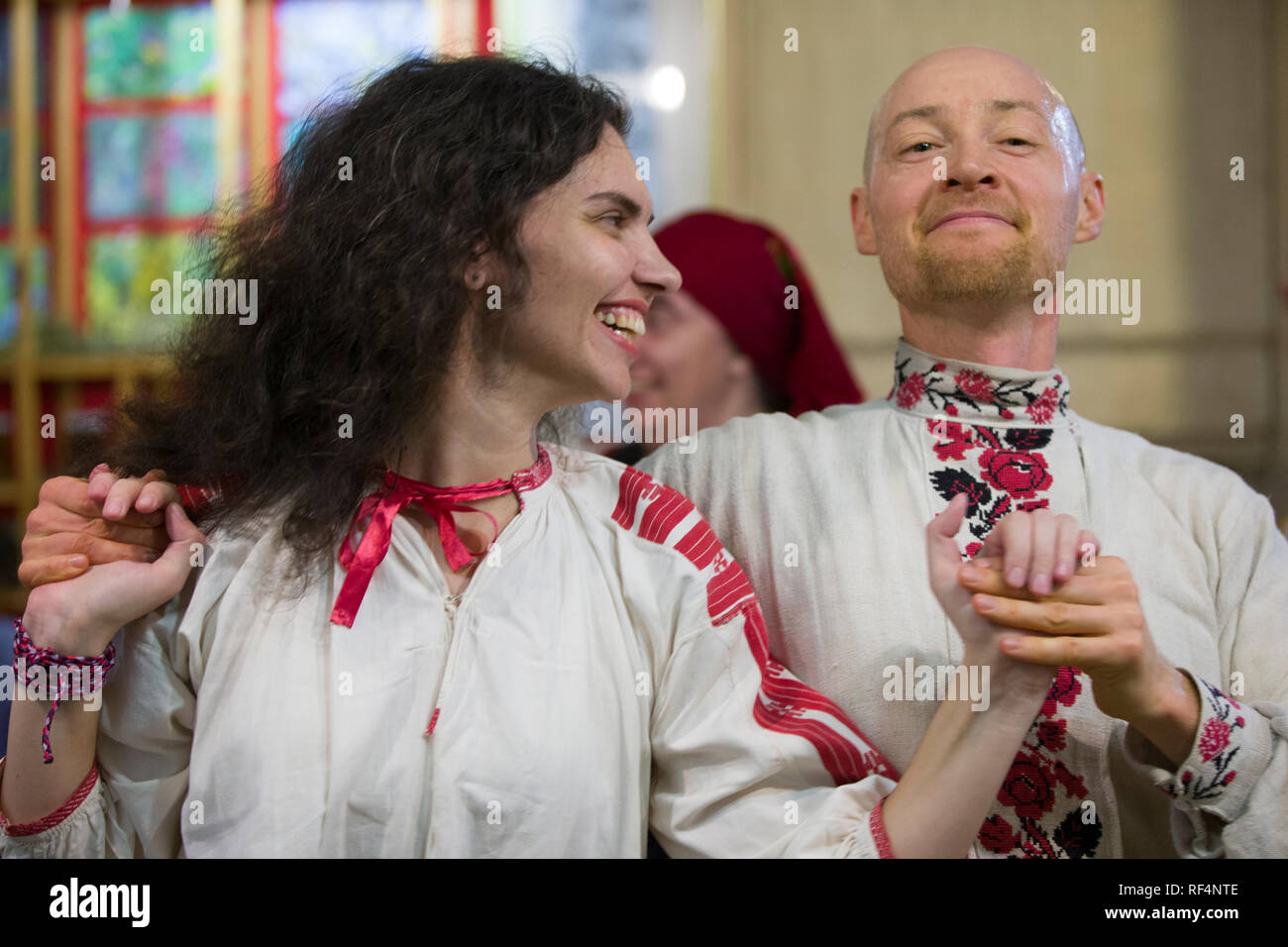 Belarus, Gomel, November 24, 2018. Reconstruction of an ethnic old Belarusian wedding.Belarusian Slavic national dances. A man and a woman in embroide - Stock Image