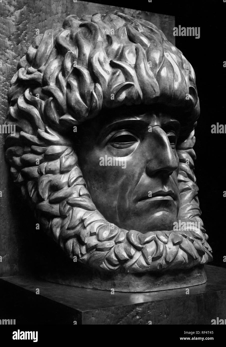 sculpture of roald engelbregt gravning amundsen, 1930 Stock Photo
