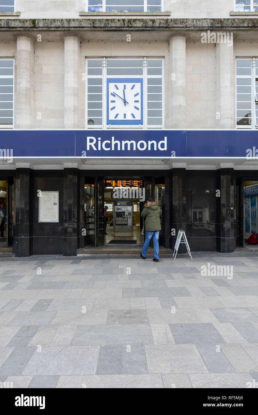 Exterior facade of Richmond Station, The Quadrant, Richmond, London, TW9, UK - Stock Image