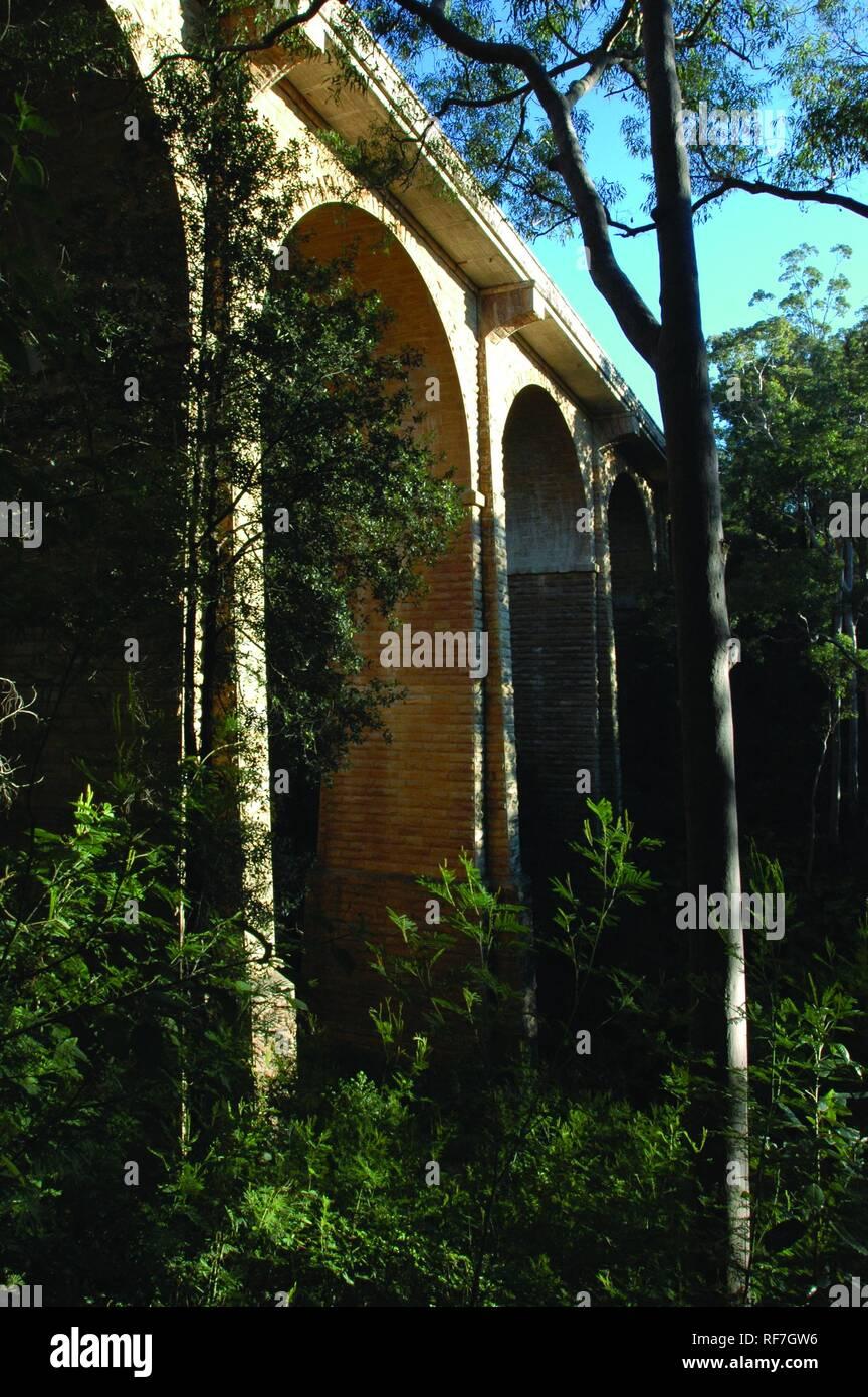 Knapsack Gully Viaduct, Lapstone, Blue Mountains, Australia - Stock Image