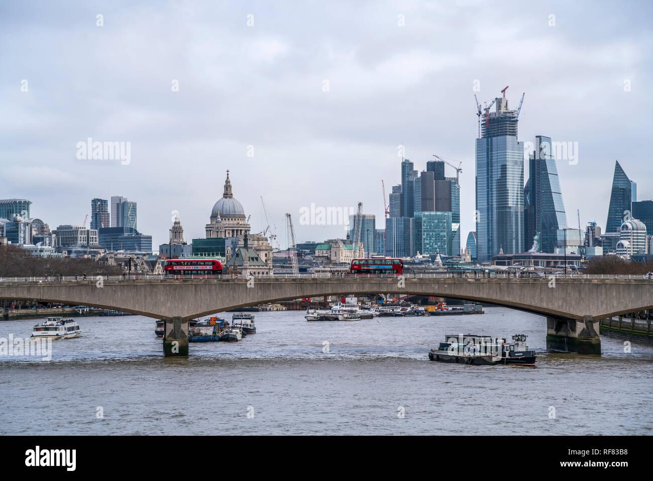 London Skyline und die Themse, Vereinigtes Königreich Großbritannien, Europa |  Skyline with Thames, London, Great Britain - Stock Image