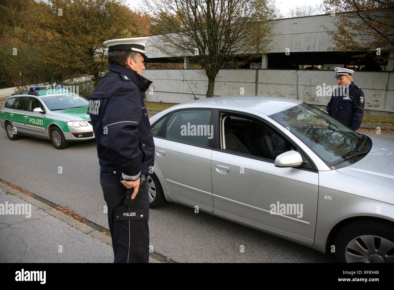 New blue police uniforms worn by 1400 male and female North Rhine-Westphalian police officers, Duesseldorf - Stock Image
