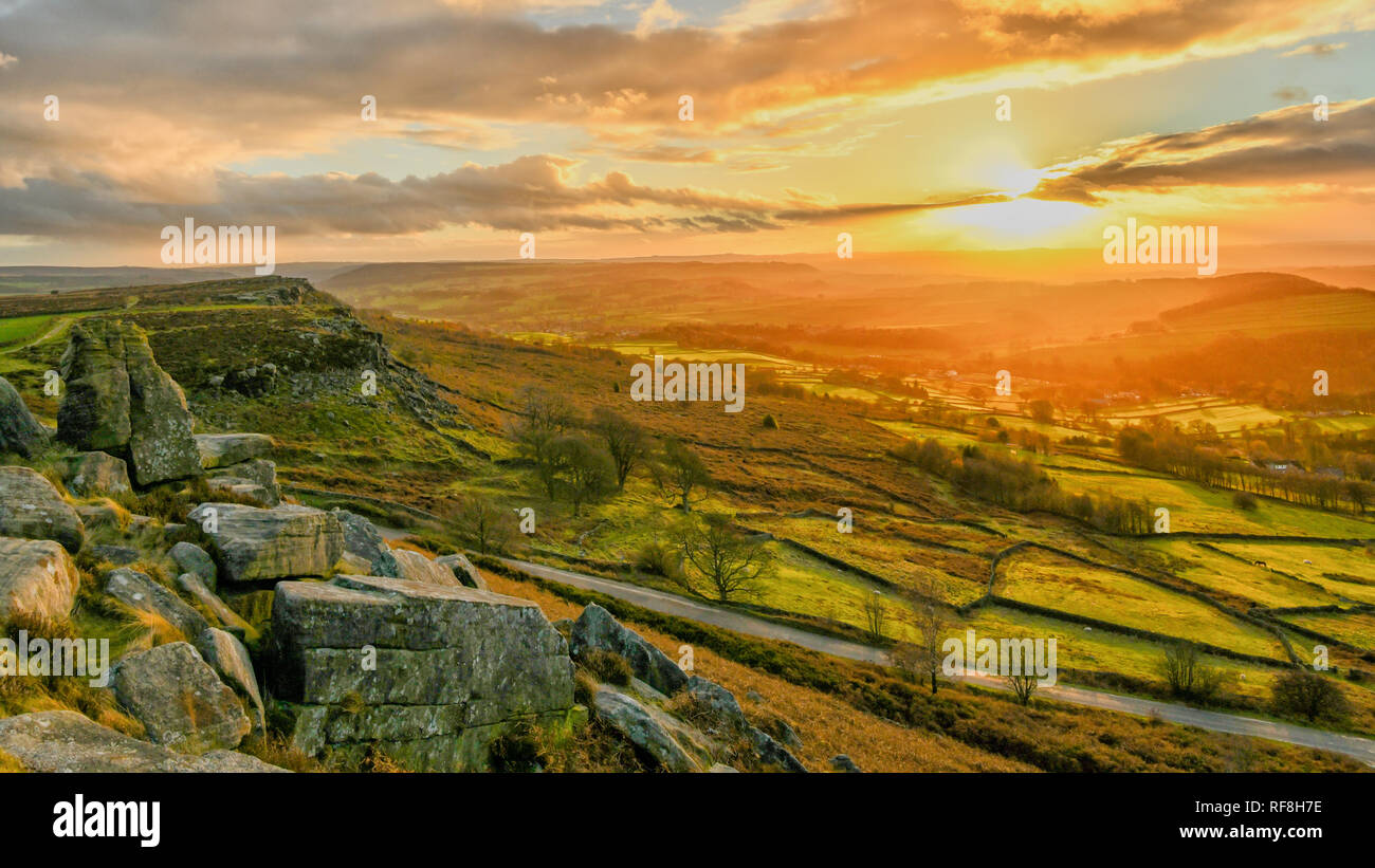 Sunset at Curbar Edge in the Peak District National Park - Stock Image