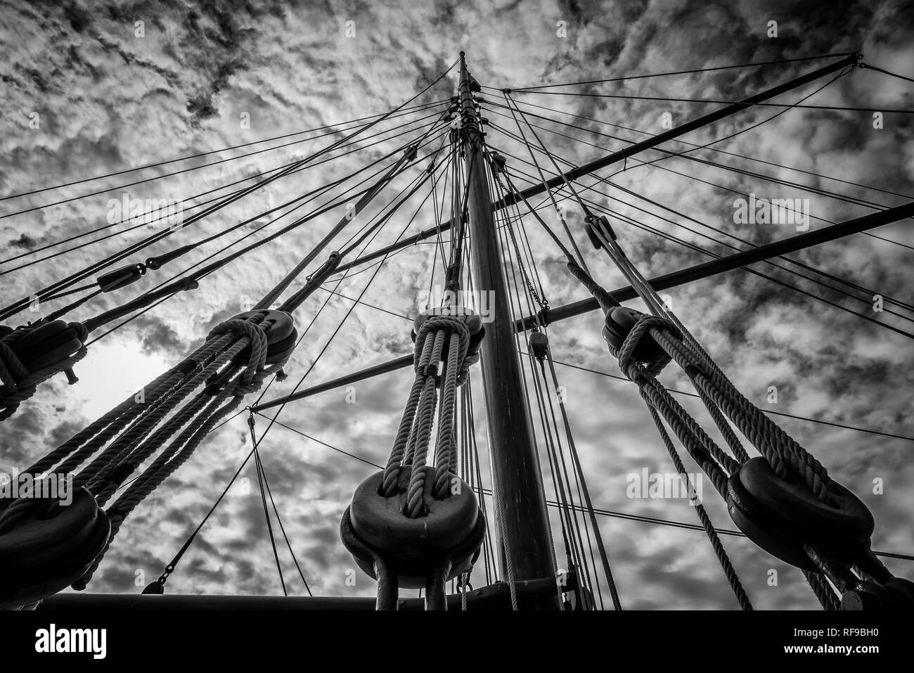 Main-mast Rigging of old sailing cargo ship, Douarnenez Harbour - Stock Image