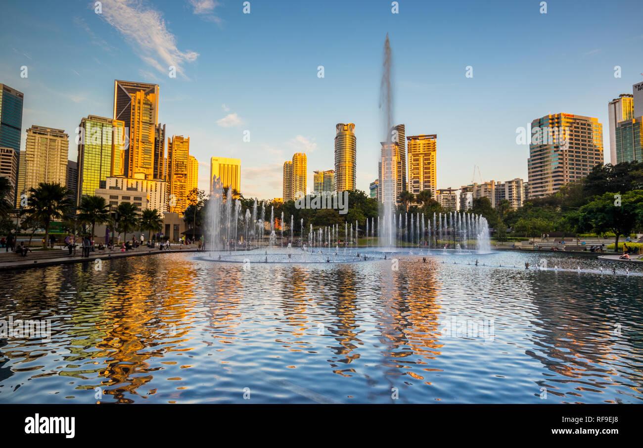 Lake Symphony outside Suria Mall at the Petronas Towers, Kuala Lumpur City Centre (KLCC), Malaysia Stock Photo
