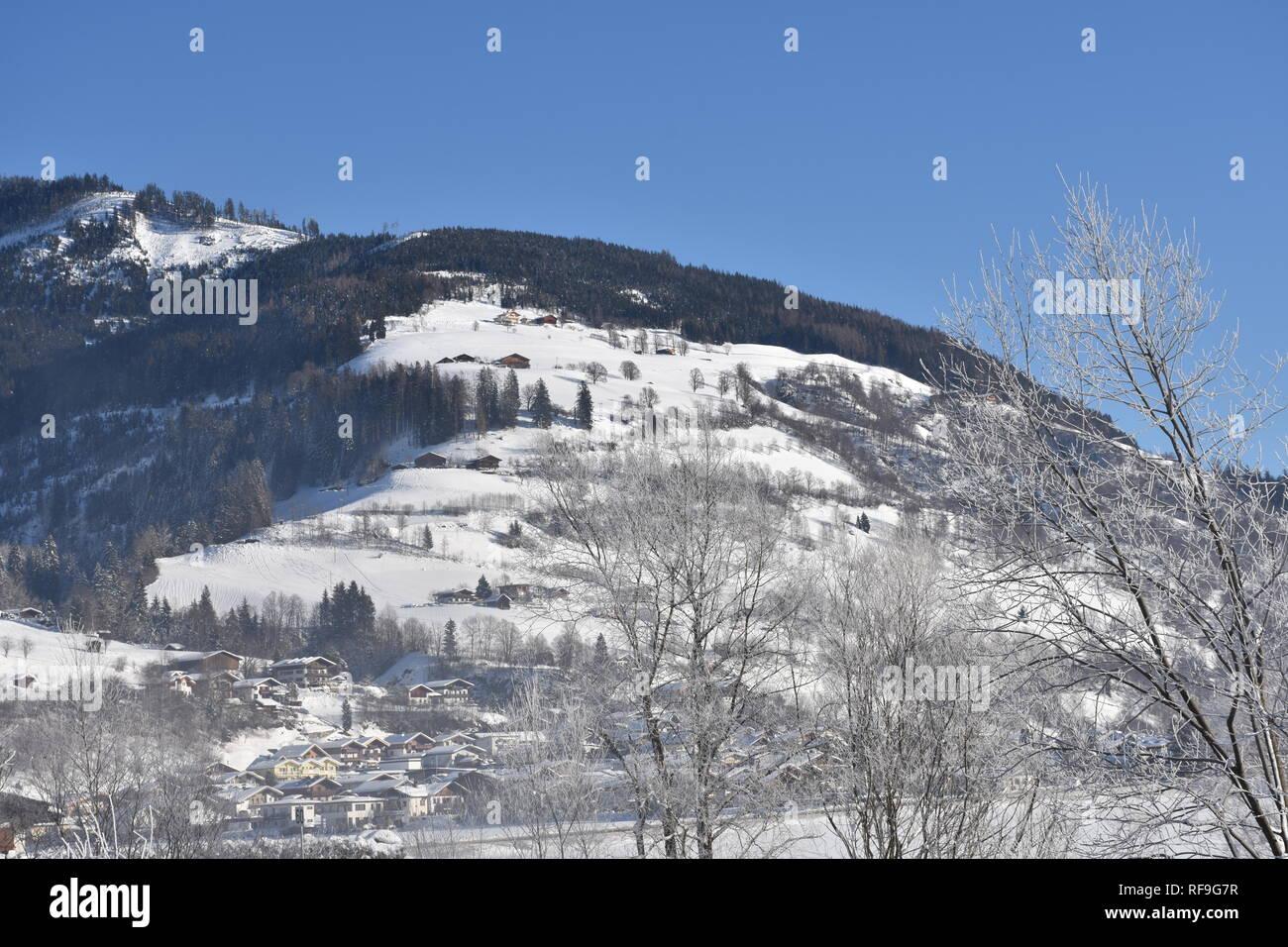 Pinzgau, Salzach, Salzburg, Lengdorf, Tiefschnee, Alpenhauptkamm, Granatspitze, Felbertauern, Glocknergruppe, Zwölferkogel, Pihapper, Nationalpark, Stock Photo