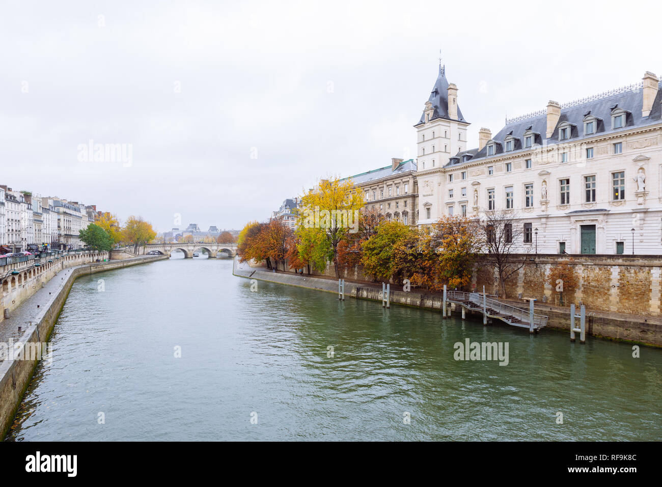 Paris (France) - The Palais de Justice formerly the Palais de la Cité in the Île de la Cité in central Paris, and the river Seine Stock Photo