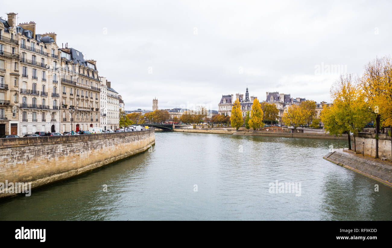 Paris (France) - Fall colors along the river Seine Stock Photo