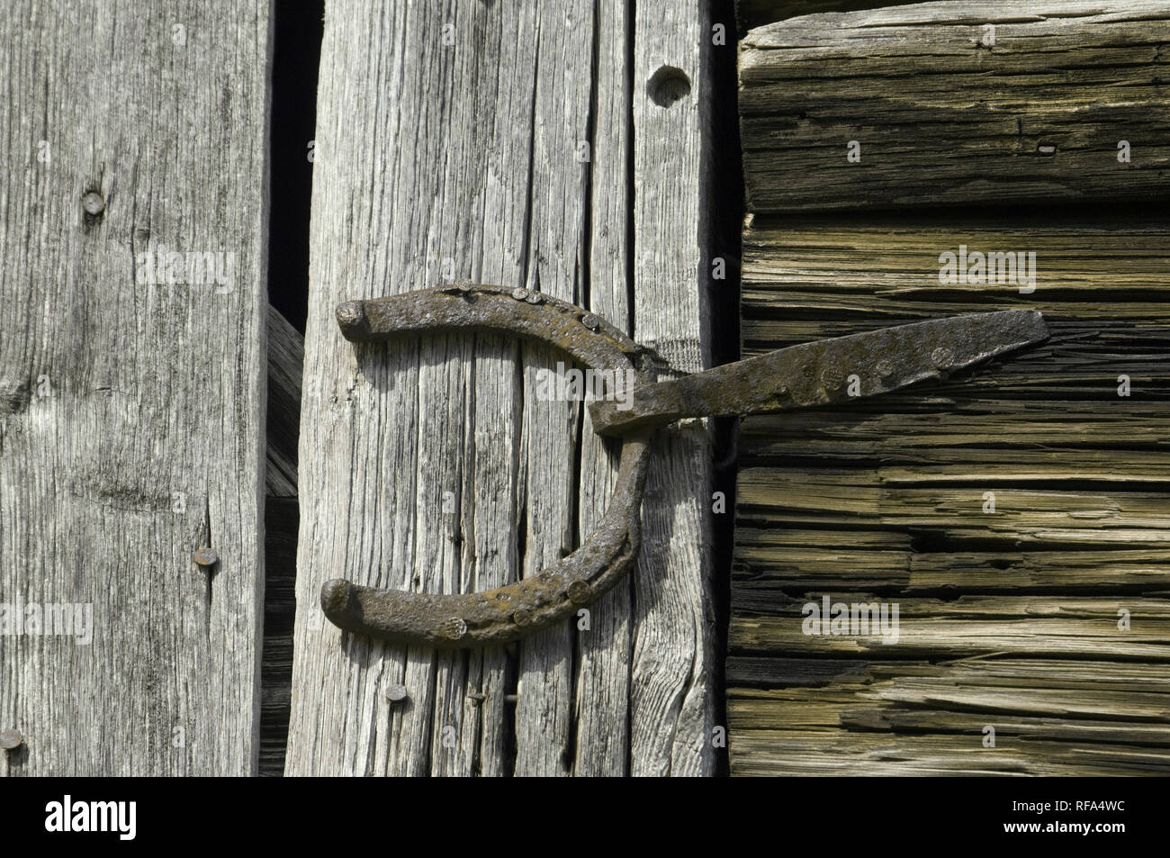 Handmade hinge made of a horseshoe, Great Smokey Mountains National Park, border of NC and TN. Digital photograph - Stock Image