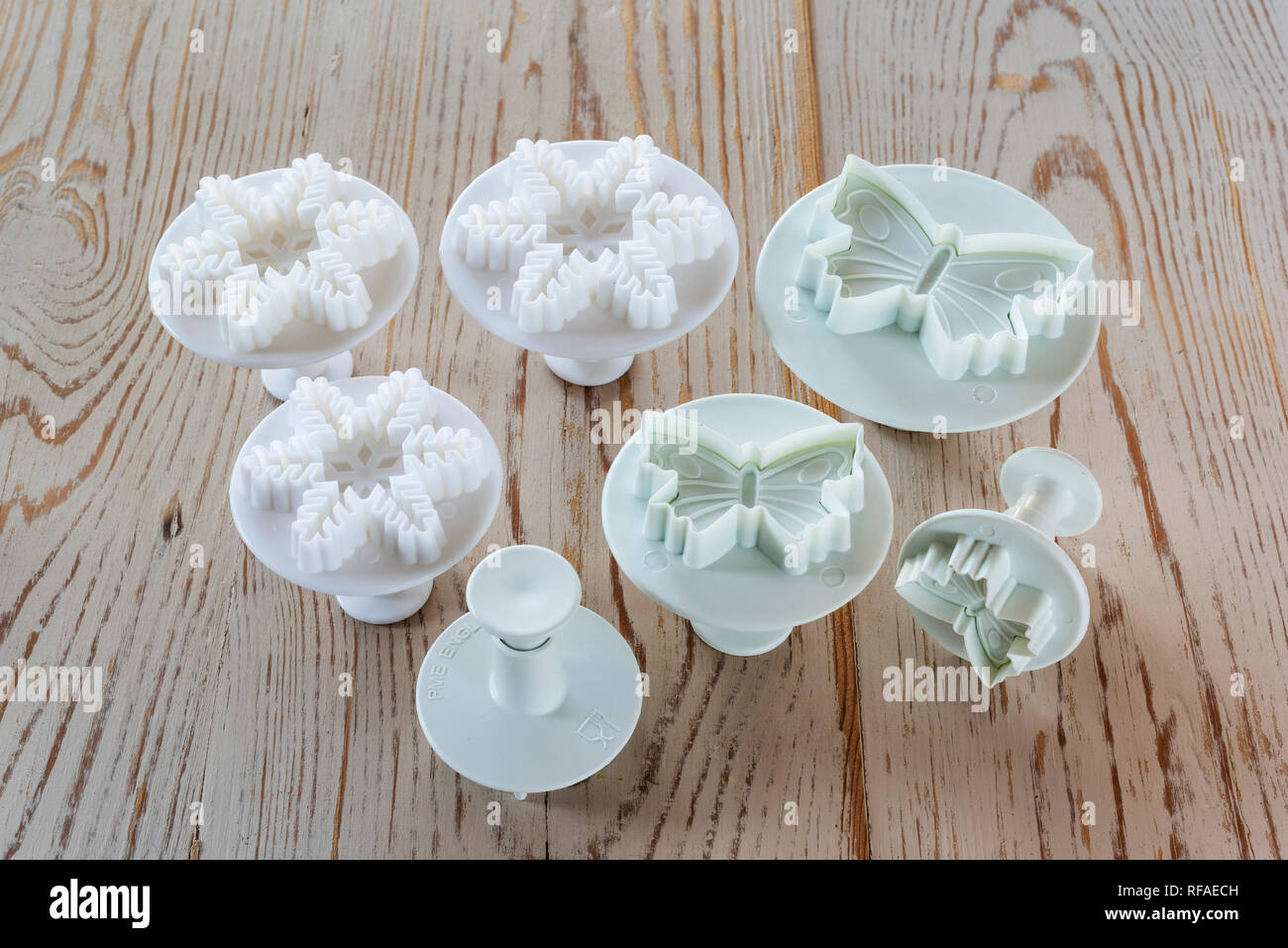 Sugar craft decorating tools. Frosting plunger cutters, - Stock Image