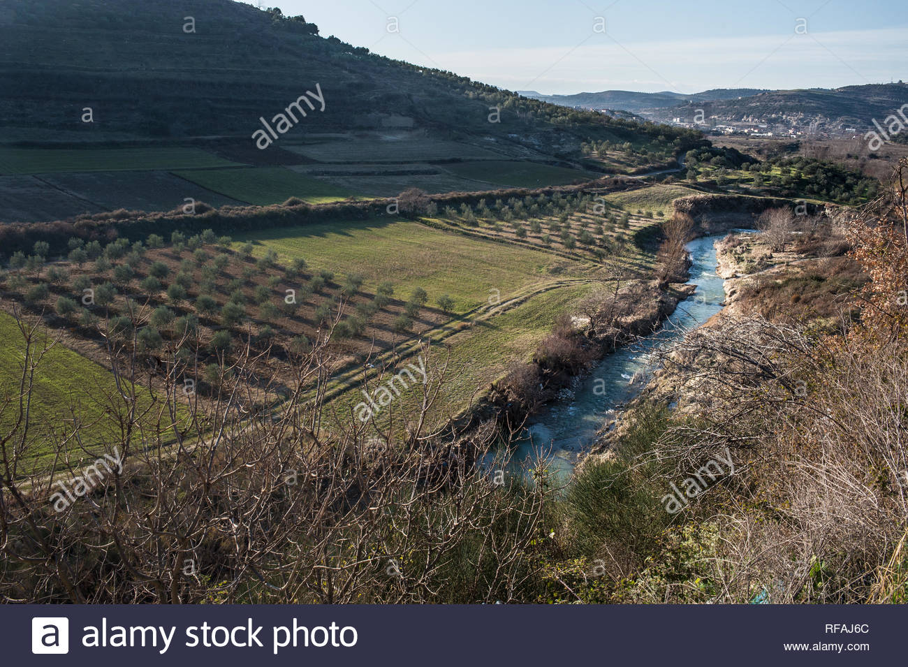 The Luni River before to enter in the Patos-Marinza, Fier, Albania, polluted area - Stock Image