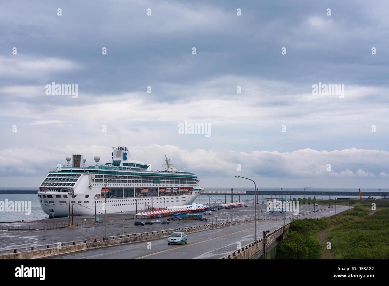 Royal Caribbean Cruises Ltd's Legend of the Seas cruise ship docks at Hualien Port, Taiwan - Stock Image
