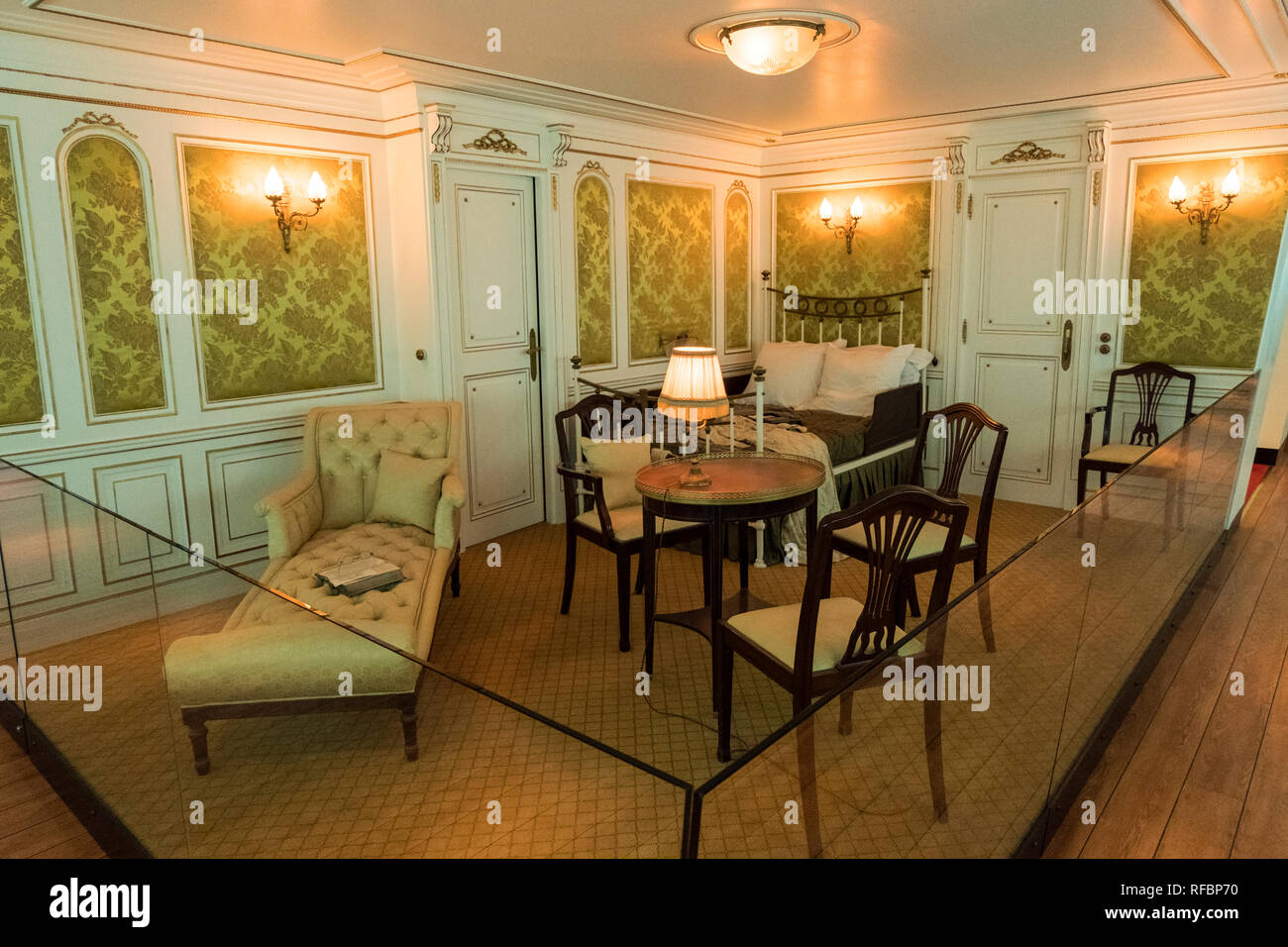 Cherbourg-Octeville, France - August 26, 2018: Mockup of the 1st class cabin of the Titanic at the Cite de la Mer museum of Cherbourg, France. - Stock Image
