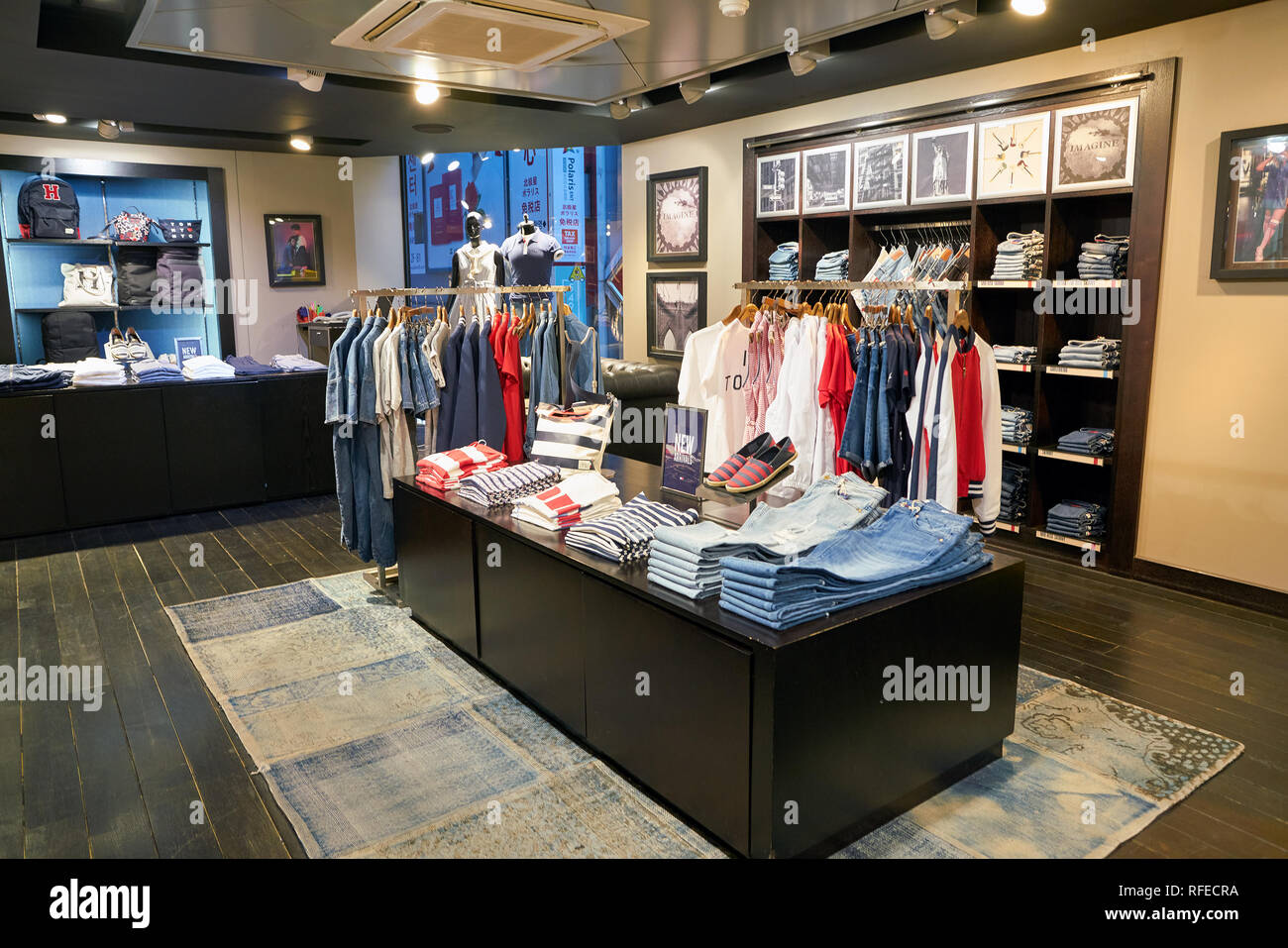 3f57a4a35889cf Tommy Hilfiger Store Display Stock Photos   Tommy Hilfiger Store ...