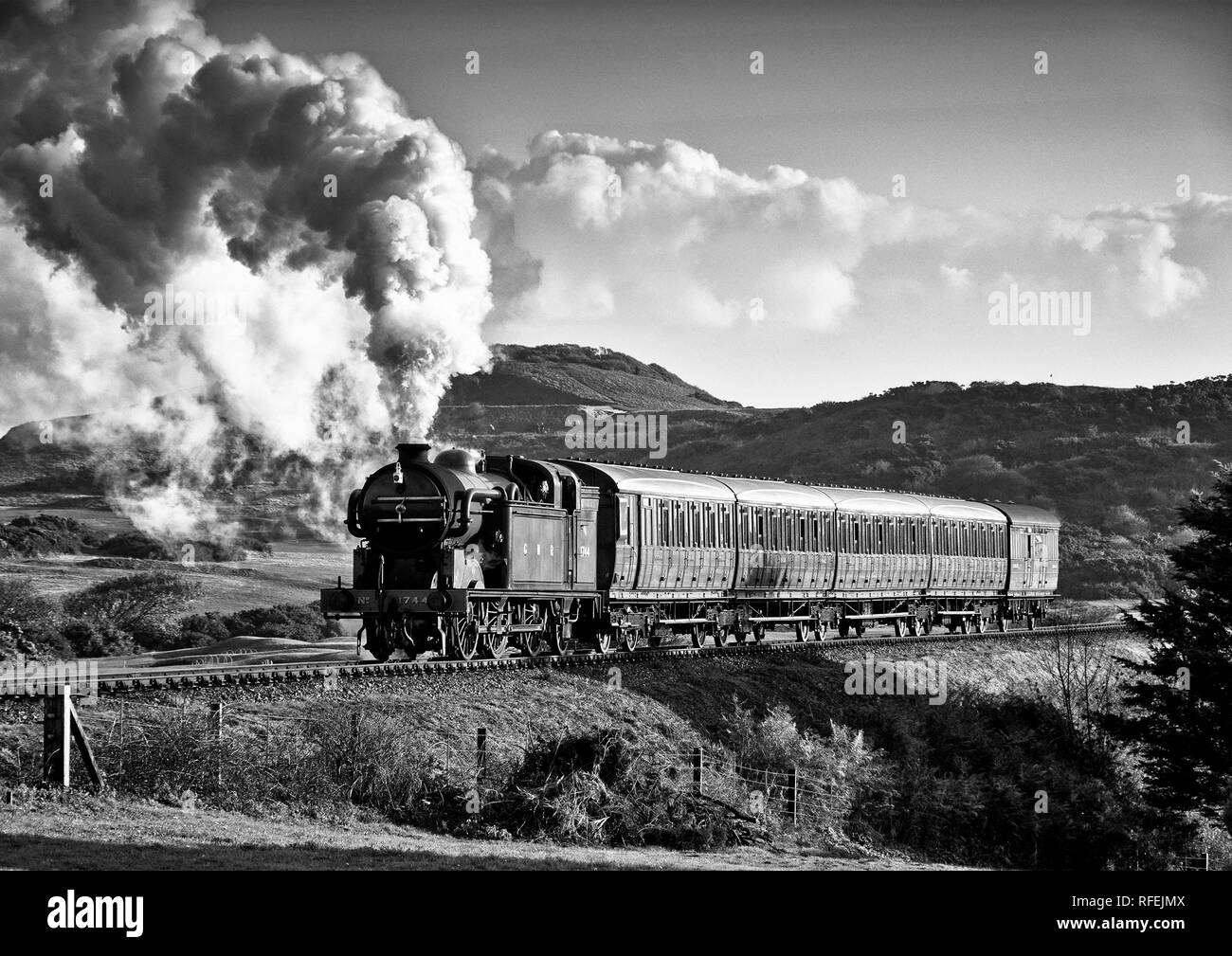 Ex GNR N2 class loco and a Gresley designed Quad-Art set of articulated suburban carriages recreate a commuter train from the mid-1920's. Stock Photo