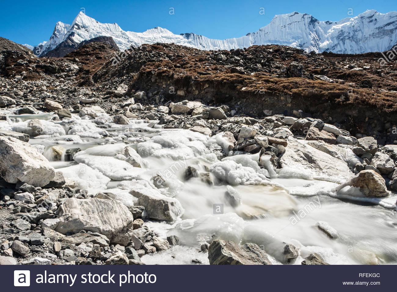 Glacial river and Chukhung glacier, Sagarmatha, Nepal - Stock Image