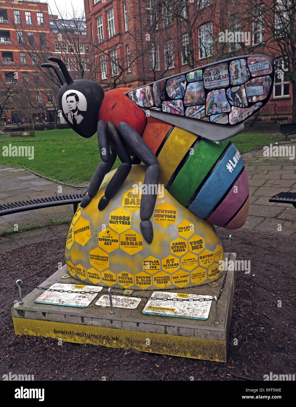 Bee In The City - Sackville Gardens featuring Alan Turing, Gay Village, Canal St, Manchester, Lancashire, England, UK Stock Photo