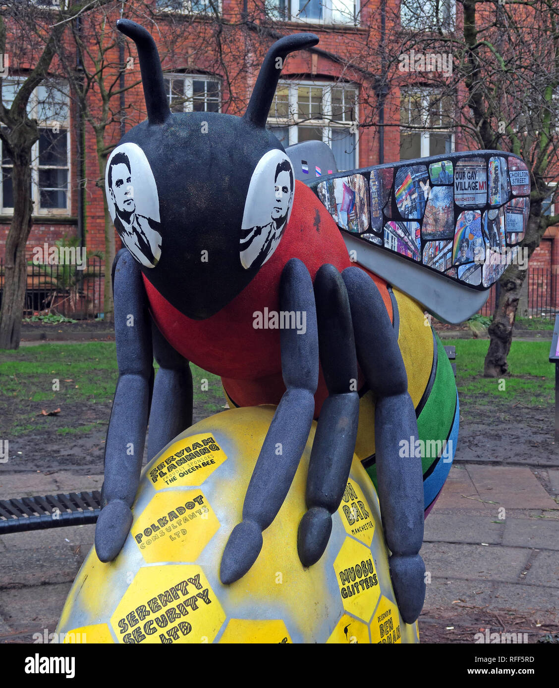 Bee In The City - Sackville Gardens featuring Alan Turing, Gay Village, Canal St, Manchester, Lancashire, England, UK - Stock Image