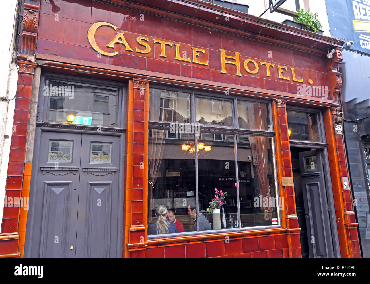 The Castle Hotel, 66 Oldham St, Manchester M4 1LE, Robinsons Brewery ales and beers Stock Photo