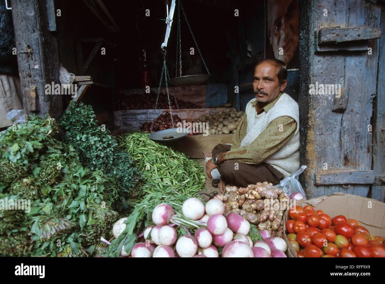 Vegetable market, Shimla, Himachal Pradesh, India - Stock Image