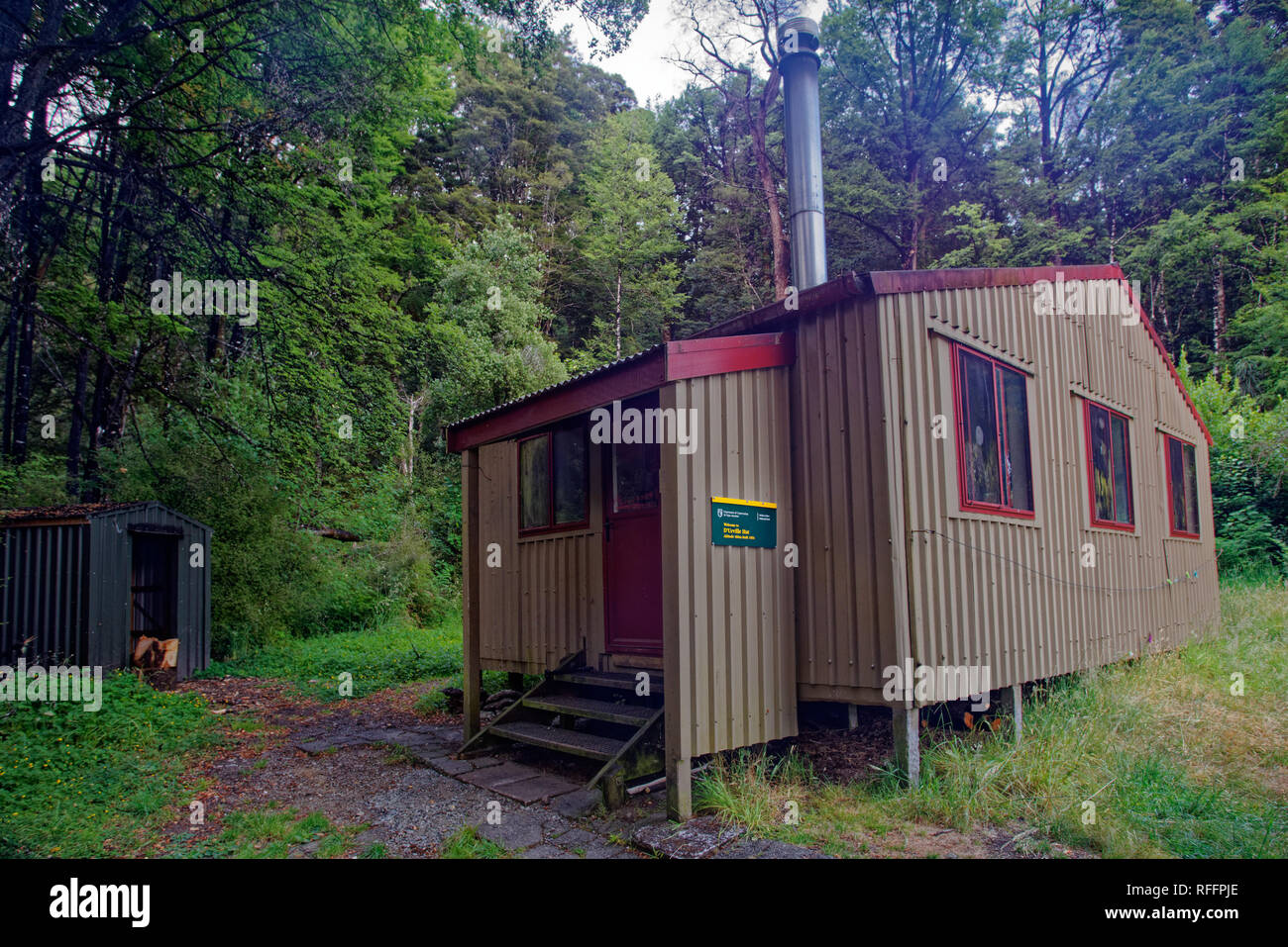 D'Urville hut, DoC hut or Dept of Conservation hut, Nelson Lakes National Park, New Zealand. - Stock Image