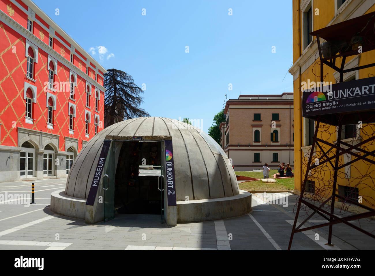 Old bunker, Entrance to Museum Bunk'Art 2, City Centre, Tirana, Albania - Stock Image