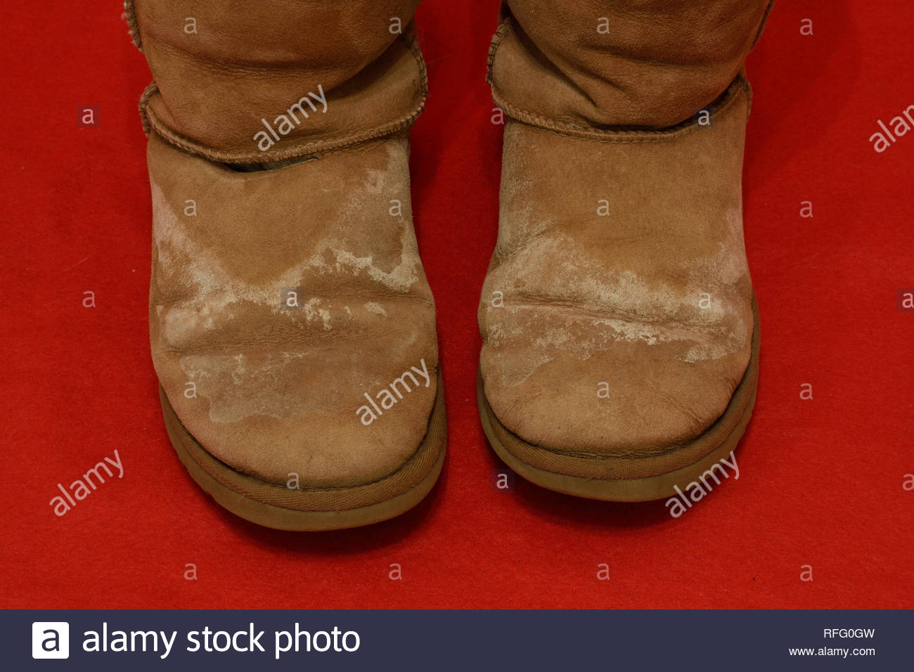 cdd5c224697 Need to remove salt stains from UGG Boots. Womens UGGs with salt ...