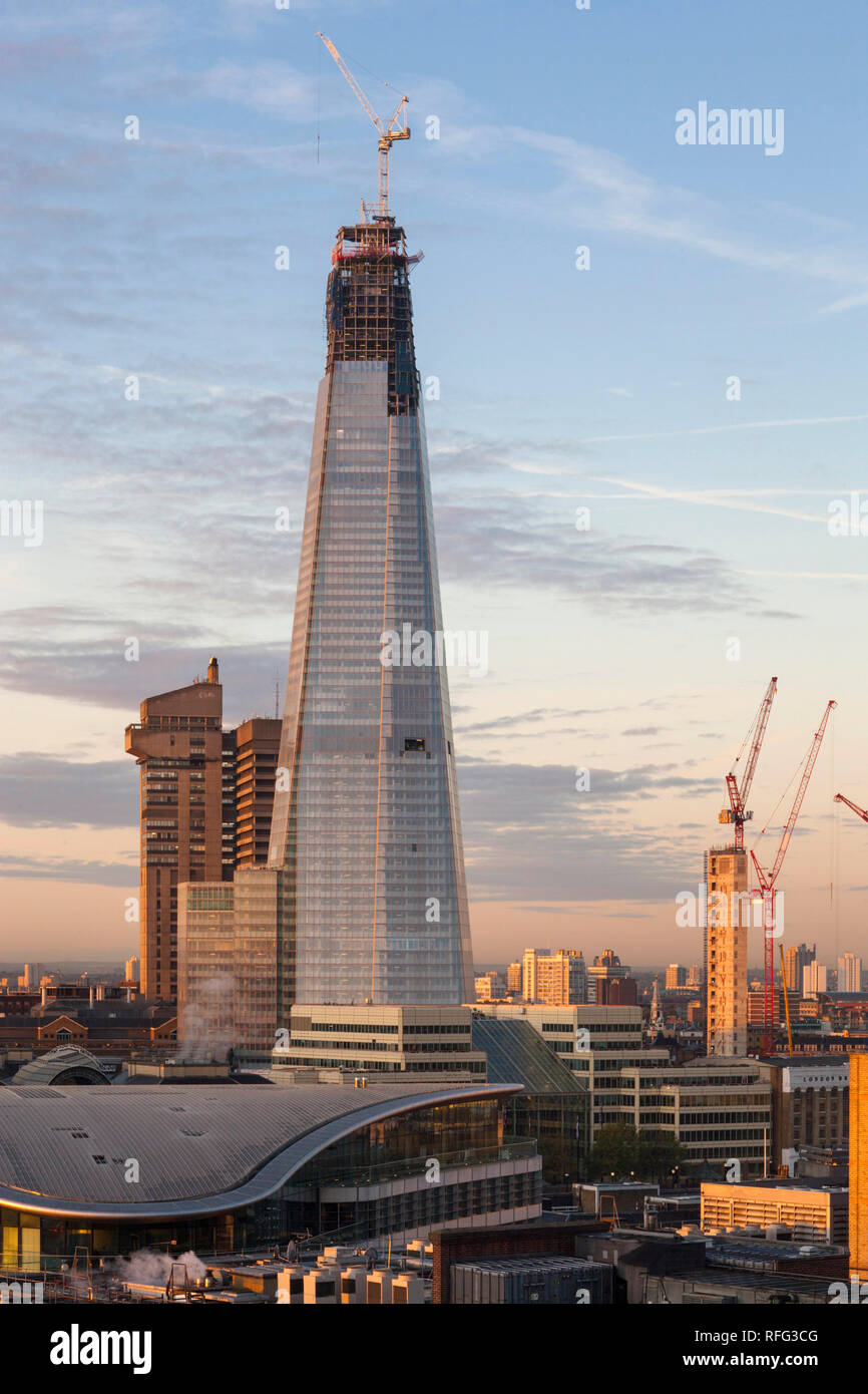 London Shard - building incomplete - Stock Image