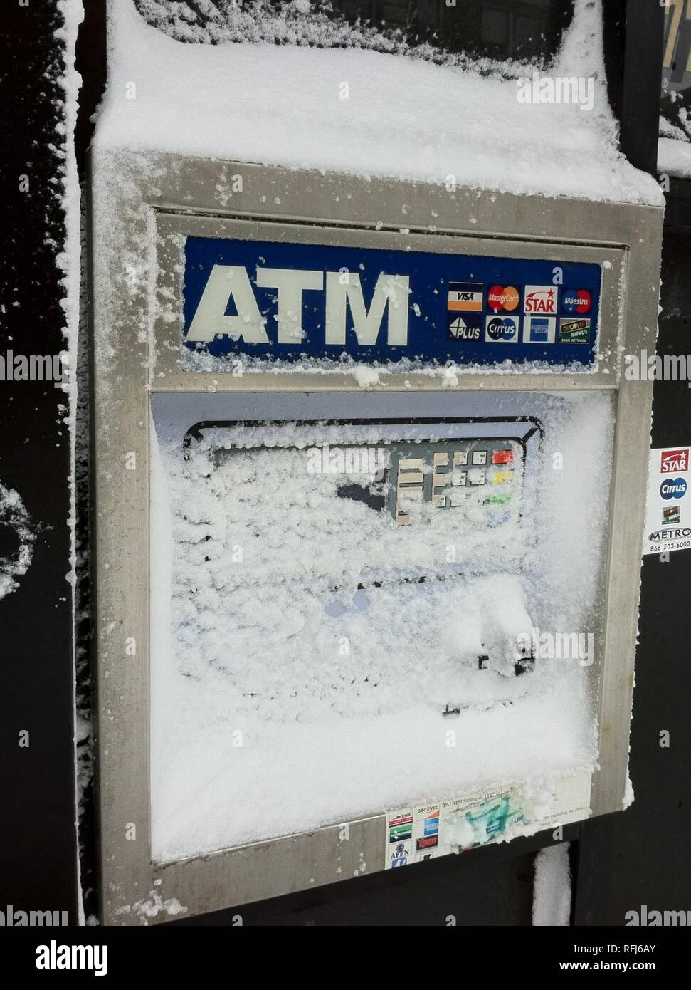 ATM Snowed Out Chicago Feb 2 2011 storm. - Stock Image