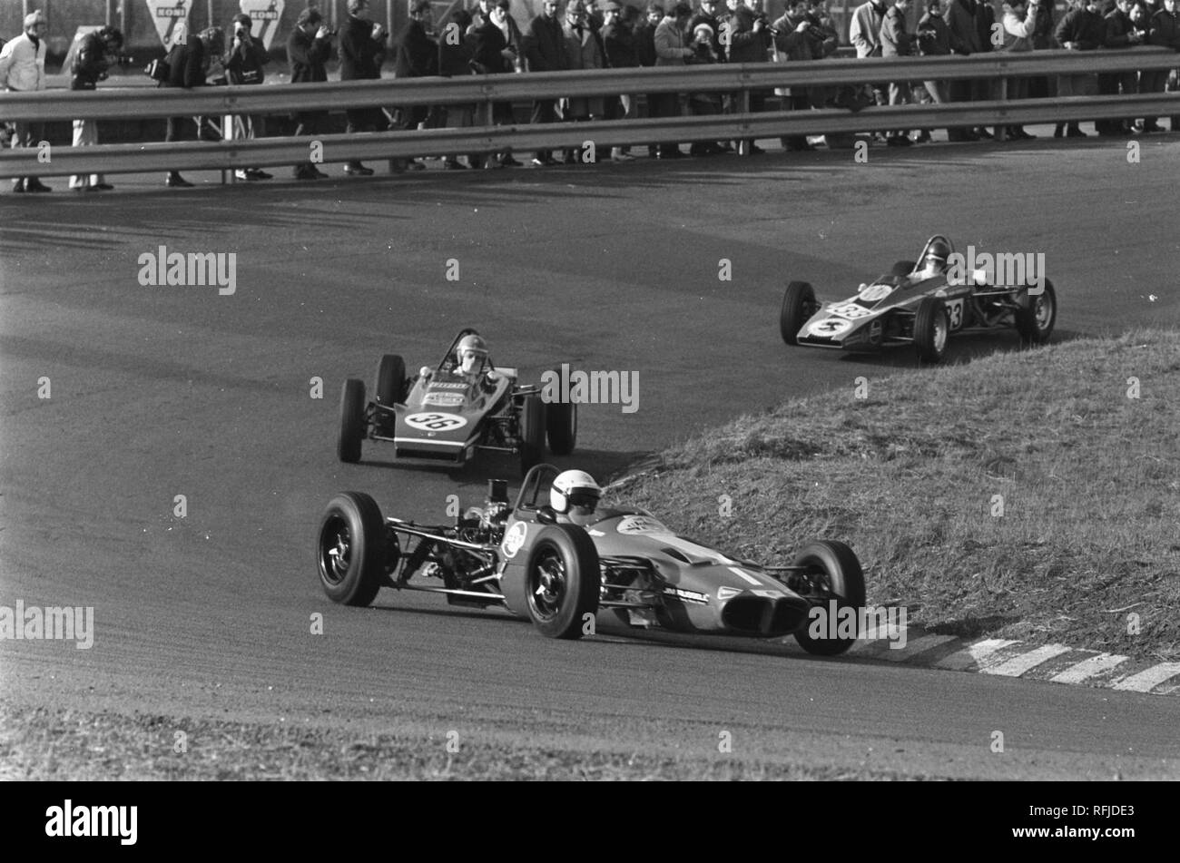 Autoraces op Zandvoort, Paasraces Formule Ford races ., Bestanddeelnr 923-3929. - Stock Image