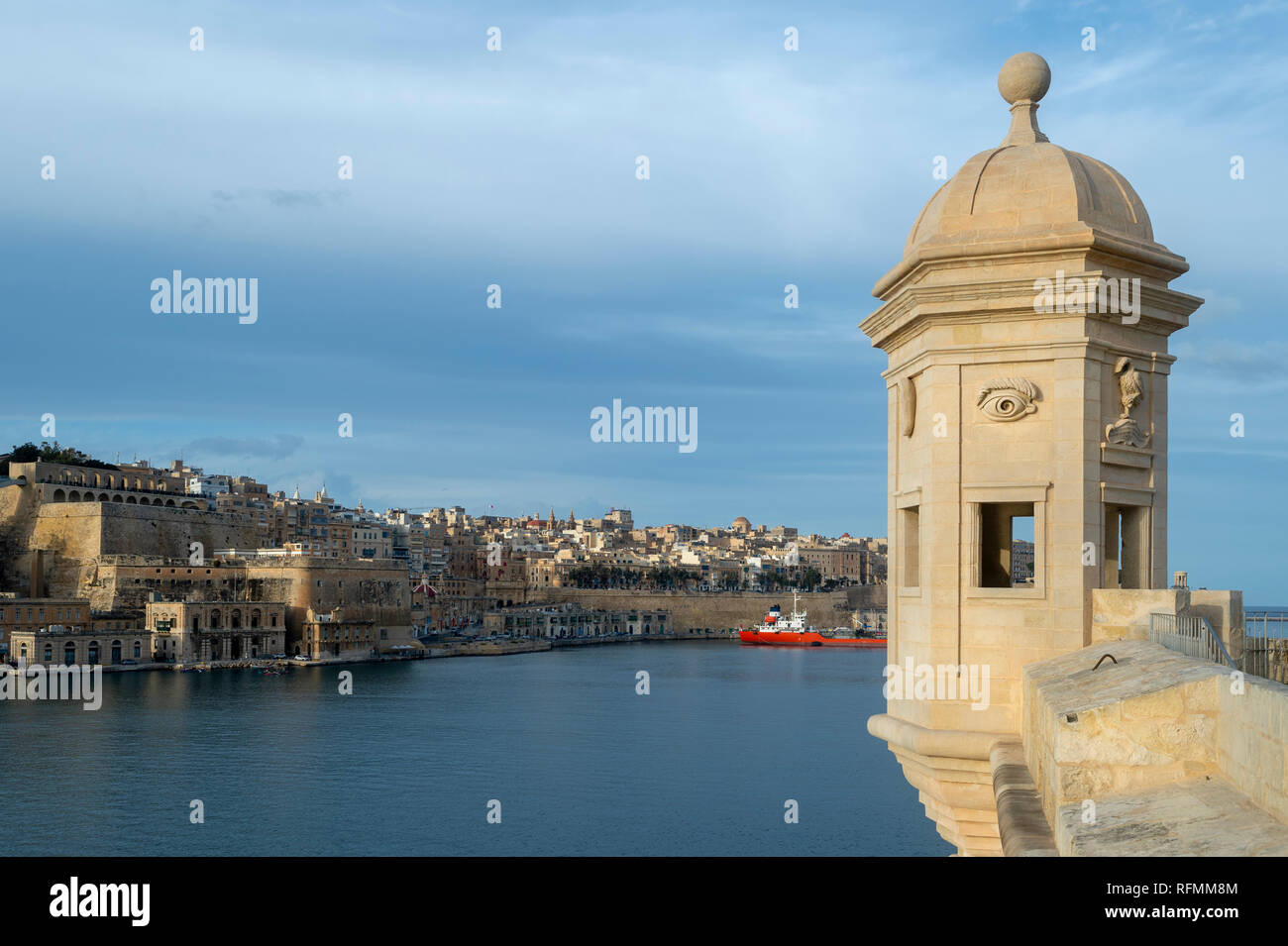 Sentrybox at Senglea Point, with the historic walled city of Valletta in the distance - Stock Image