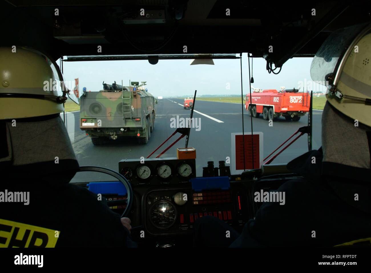 DEU, Federal Republic of Germany, : Rescue exercise of the airport fire service of the german airforce. A training petrol fire Stock Photo