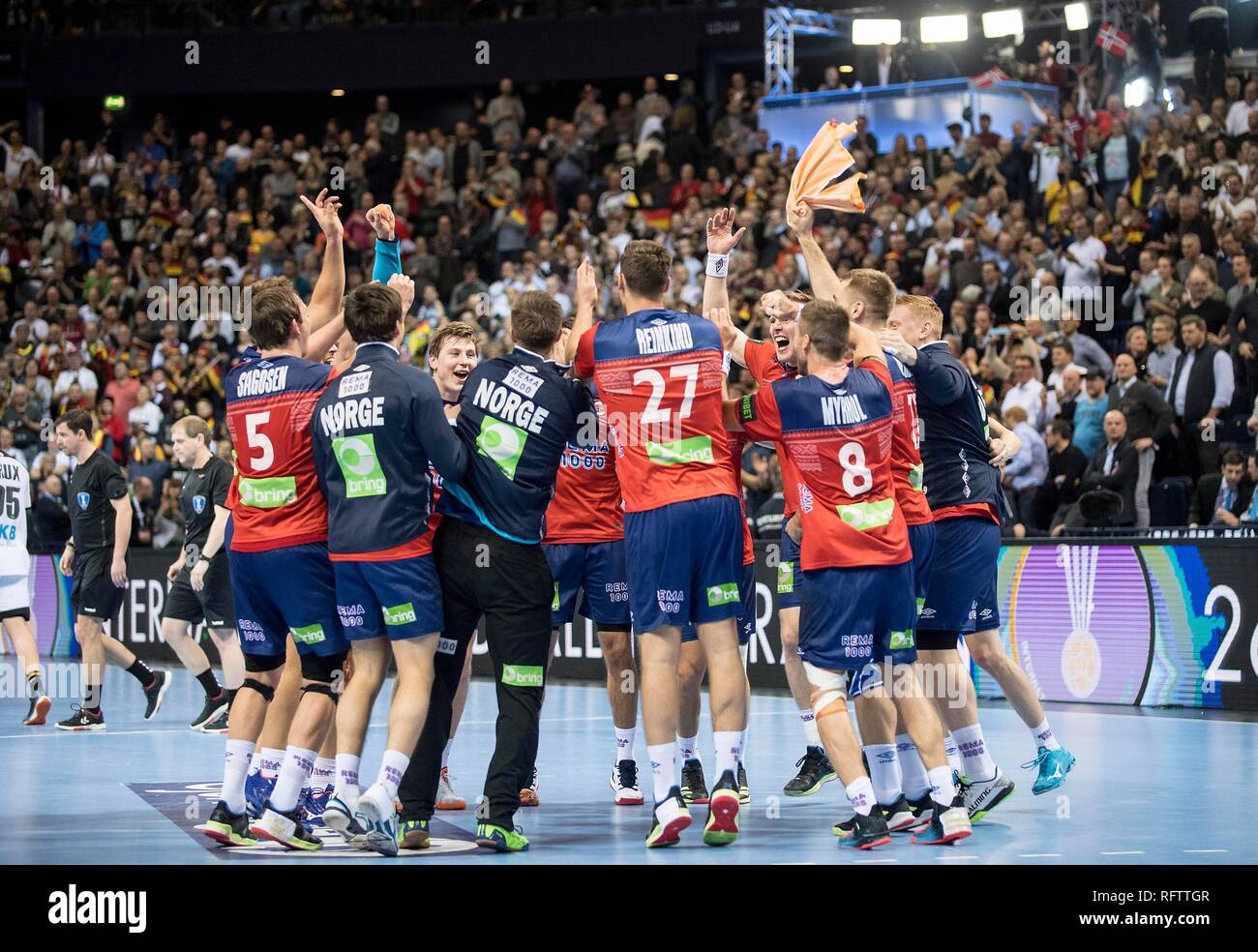 Hamburg, Deutschland. 25th Jan, 2019. final jubilation Team NOR, team squad, team, semi-final Germany (GER) - Norway (NOR) 25-31, on 25.01.2019 in Hamburg/Germany. Handball World Cup 2019, from 10.01. - 27.01.2019 in Germany/Denmark. | usage worldwide Credit: dpa/Alamy Live News Stock Photo