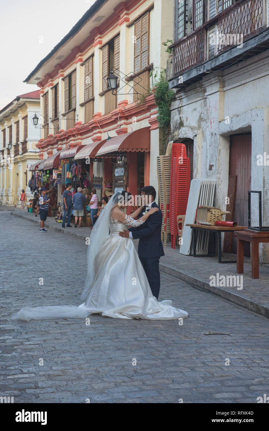 Getting married in historic Vigan, Ilocos Sur, Philippines - Stock Image