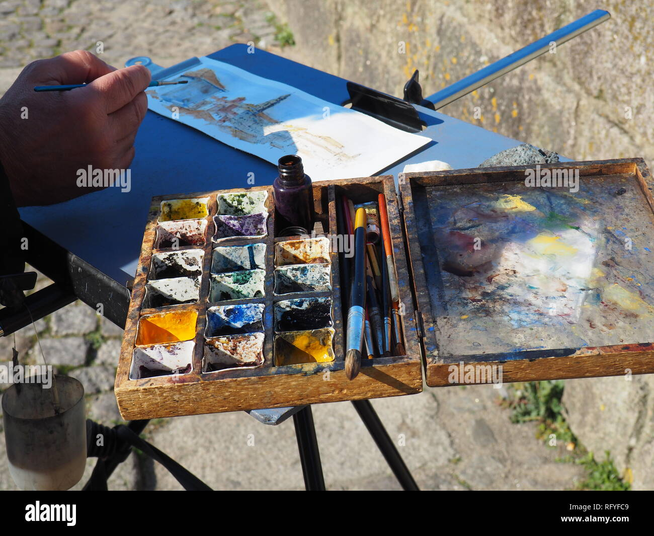 Street painters tempera set in Porto - Portugal - Stock Image