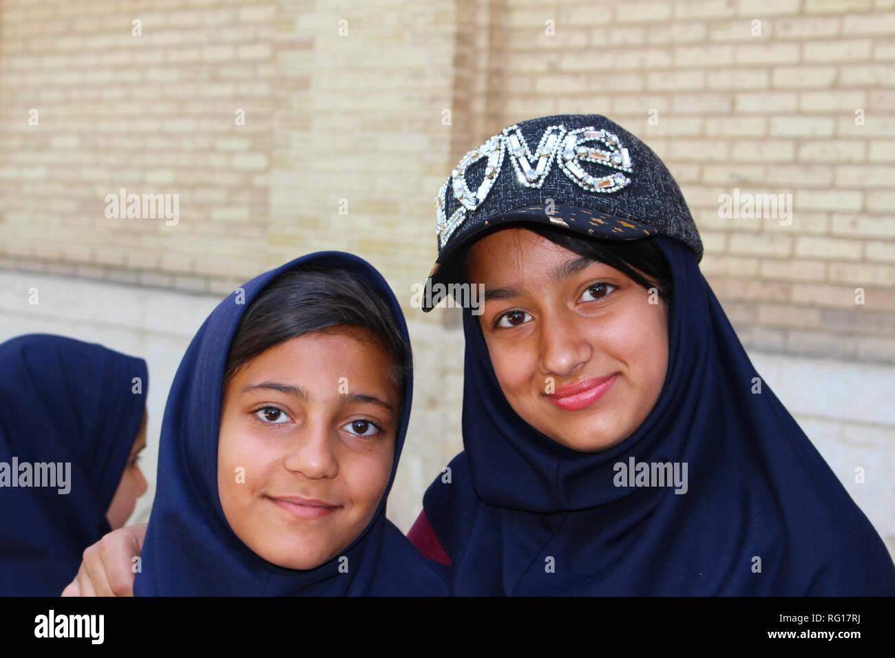 Young iranian girls, Shiraz, Iran - Stock Image