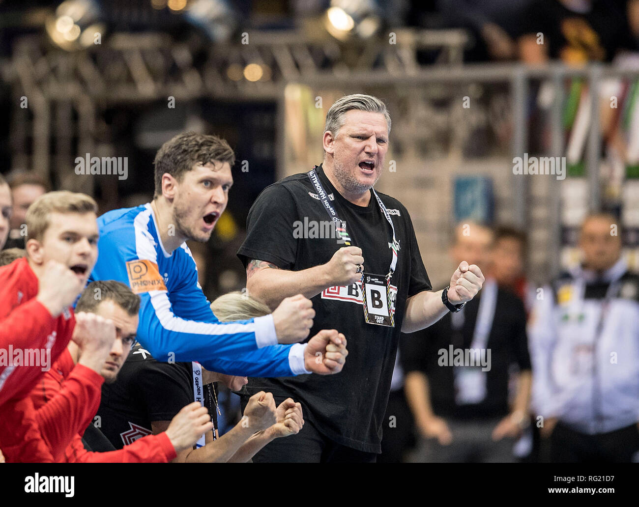 Hamburg, Deutschland. 25th Jan, 2019. jubilation of the Bank of DEN with coach Nikolaj JACOBSEN (DEN), goalkeeper Niklas LANDIN (DEN), semi-finalist France (FRA) - Denmark (DEN), on 25.01.2019 in Hamburg/Germany. Handball World Cup 2019, from 10.01. - 27.01.2019 in Germany/Denmark. | usage worldwide Credit: dpa/Alamy Live News Stock Photo