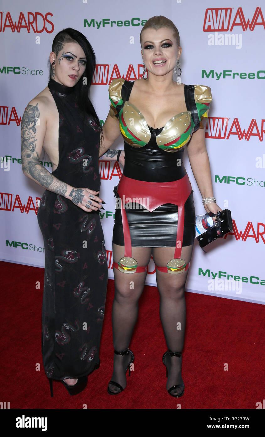 Nadia White Nude Photos 17