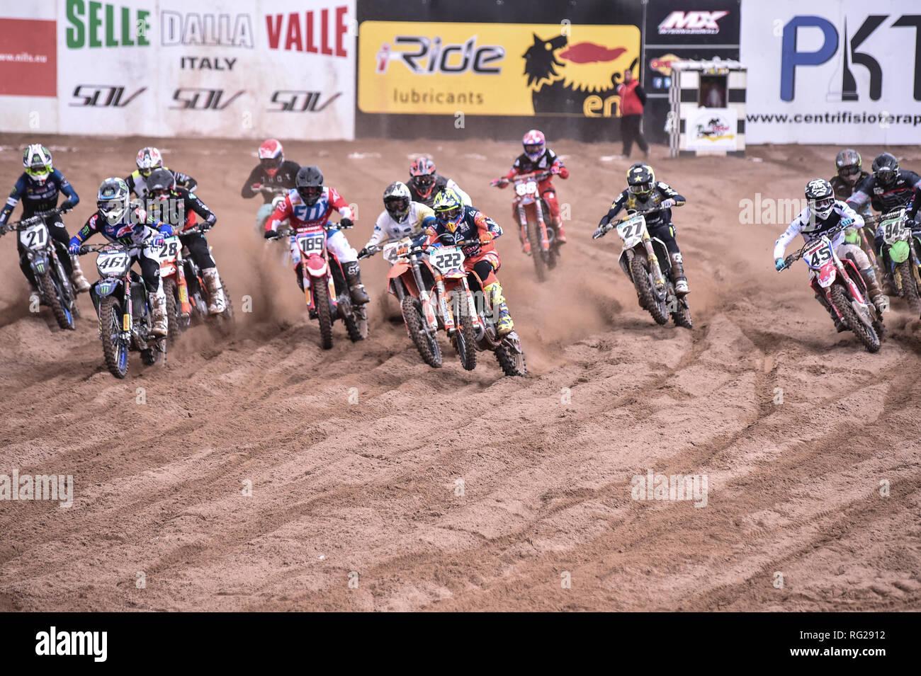 Foto LaPresse/Tocco Alessandro  20/01/2019 Cagliari(Italia)  Sport Motocross Internazionali D'Italia Motocross 2019 Crossodromo Le Dune Riola Sardo Nella foto:Partenza MX1 Supercampione - Stock Image