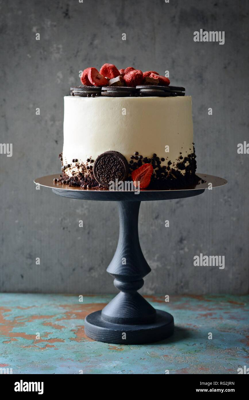 Chocolate Cake With Cream Cheese Filling And Oreo Chocolate Cookies