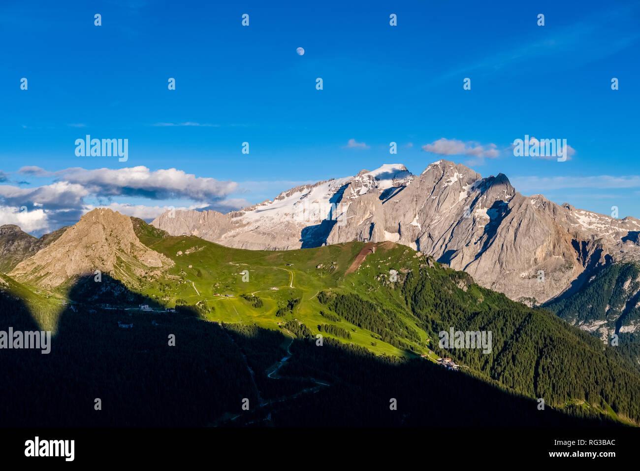 View on the pass Pordoi Pass, Passo Pordoi and the mountain Marmolada from Sella Pass, Sellajoch, Passo Sella - Stock Image