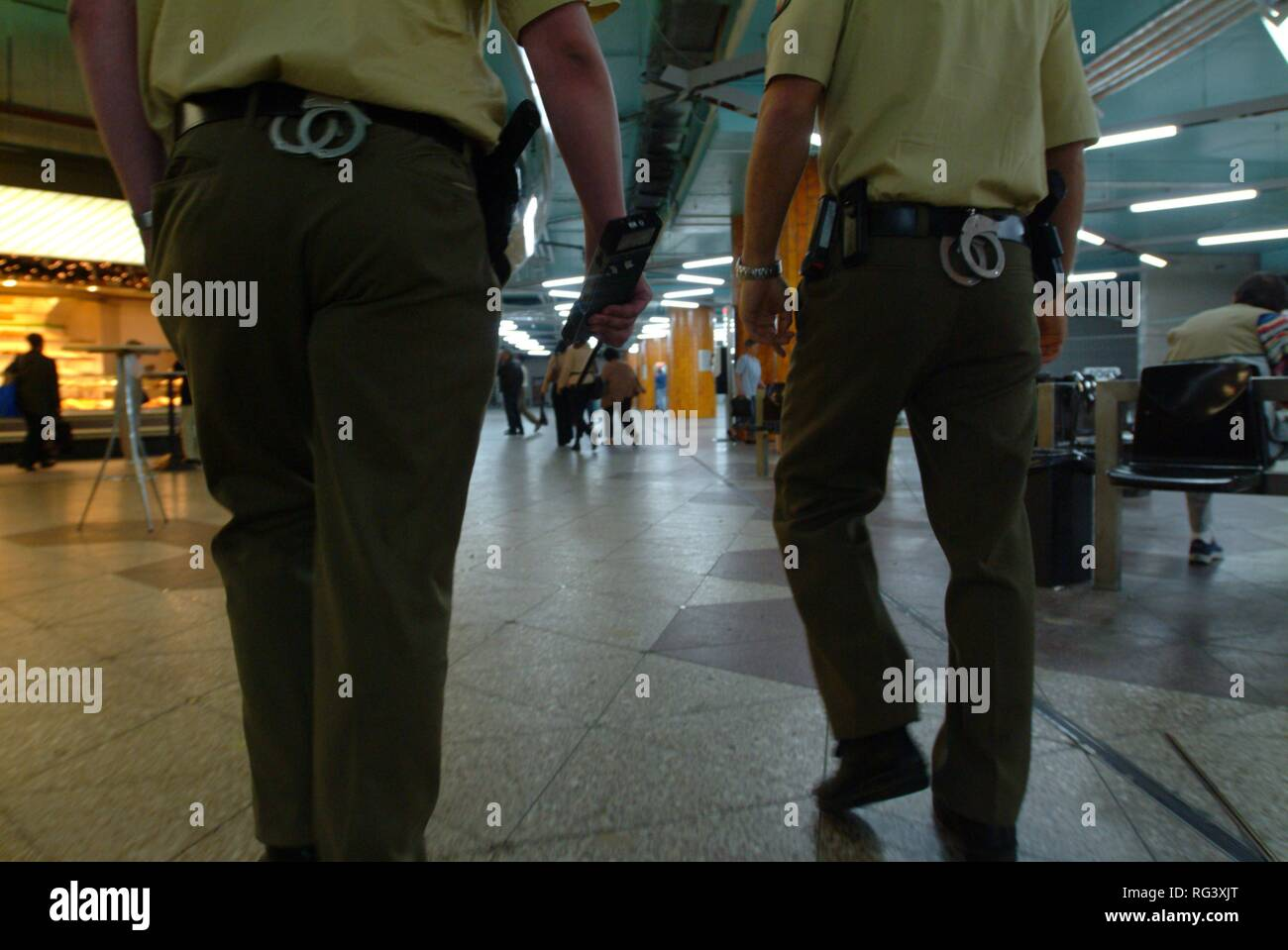 DEU, Germany, Essen: Patrol in the subawy.Daily police life. Officer from a city police station. - Stock Image