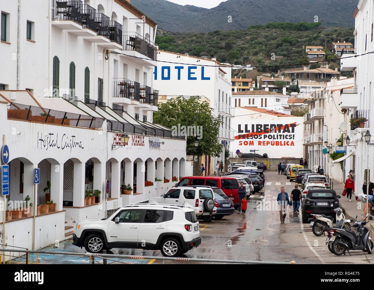 Streets of Cadaques, Catalonia - the Llibertat sign loosely translates as - Freedom for political prisoners, we are a republic - Stock Image